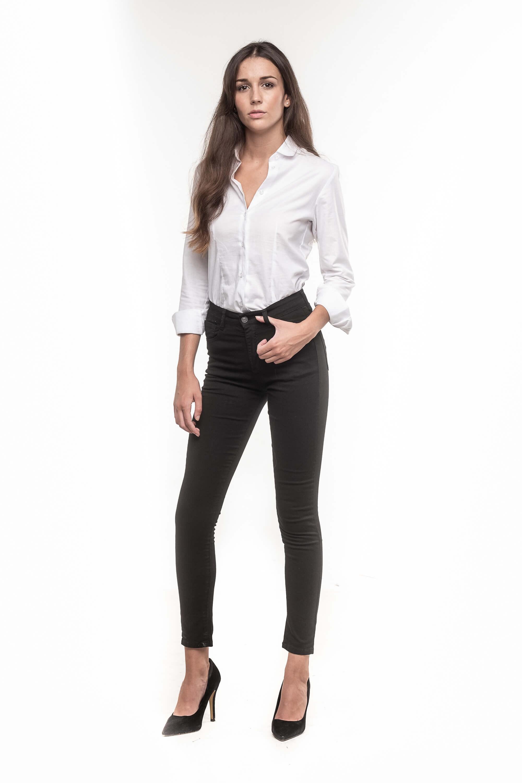 Pantalón color negro