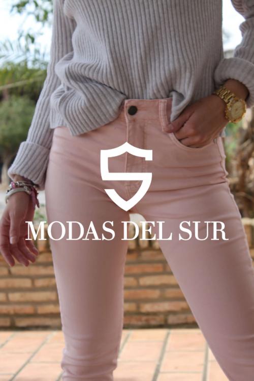 Pantalón rosa delante