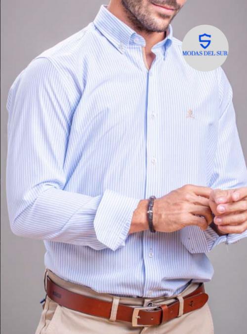 Camisa de rayas celestes y blancas